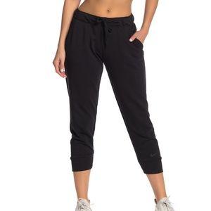 NWT Nike crop dri-fit sweatpants